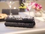 Luxusné obrúsky 40cm čierne s trblietkami (12x45ks)
